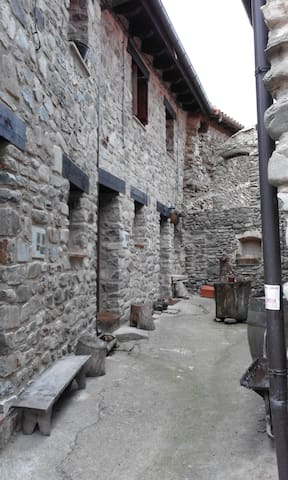 Las Aldeas de Ezcaray - Zaldierna - Hus