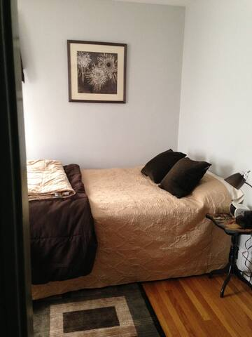 Bedroom for 2 in quiet home - Melrose - Haus