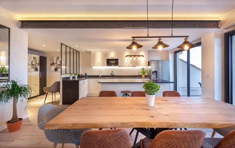INDUS LOFT - NEW REALISATION - 155m2 - 4 chambres - 4 salle de bains - 5 WC - large terrasse vue mer Suquet