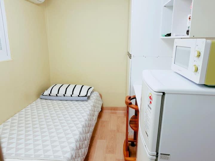 Small, comfy single studio-3min Hanyang university