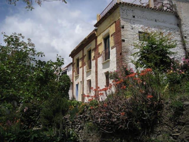 Alpujarra Granada Nevada Mairena - Alojamiento