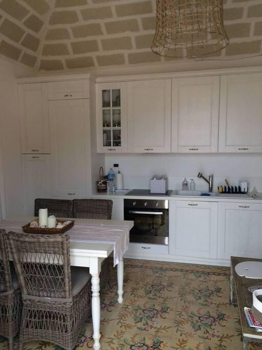 cucina abitabile con vista mozzafiato sul porto