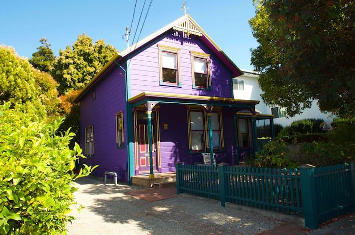 5+BD Victorian house Steps To Beach Boardwalk!