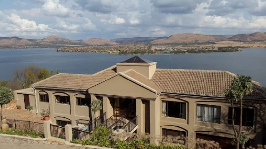 Avalon Vacation House, Hartbeespoort Dam