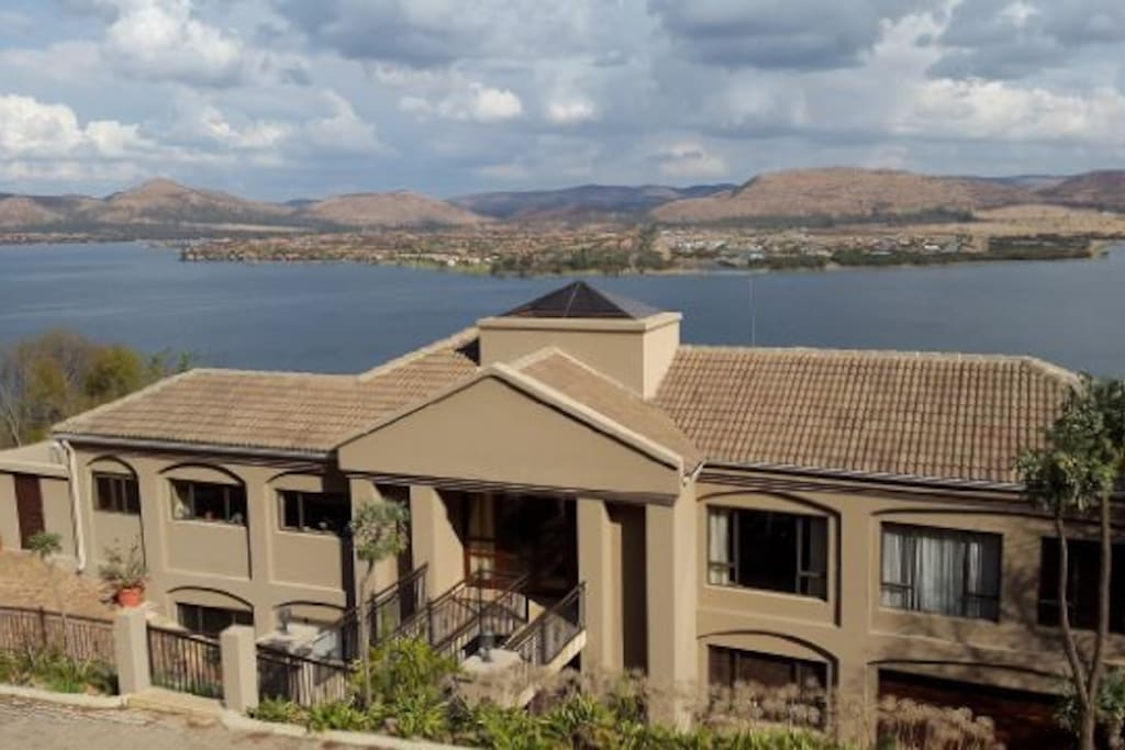 Avalon vacation house hartbeespoort dam houses for rent for North west house