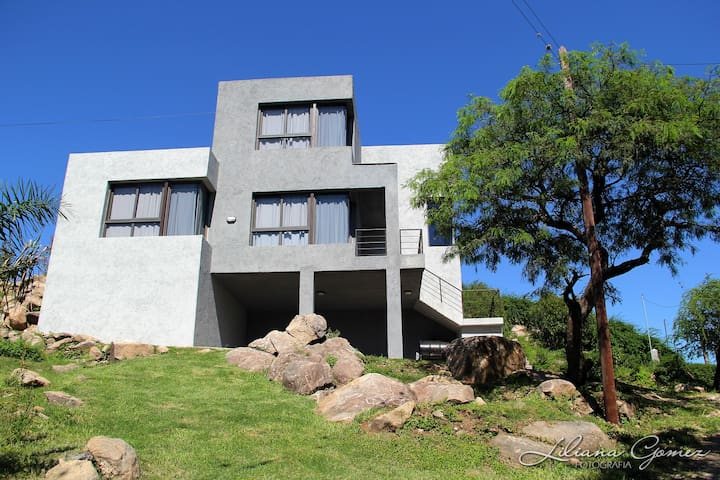 CASA CON VISTA AL LAGO - Villa Carlos Paz - Domek gościnny
