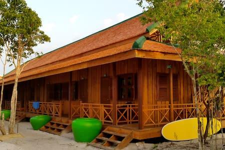 PAVILION GARDEN VIEW ROOM - Krong Preah Sihanouk