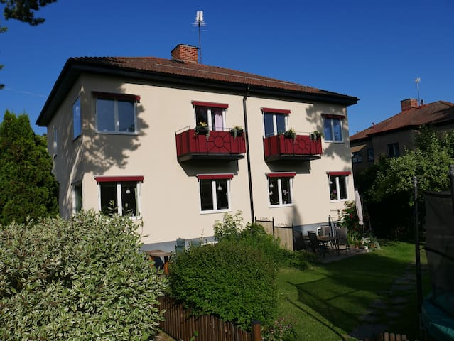 Renovated apartment with garden close to city