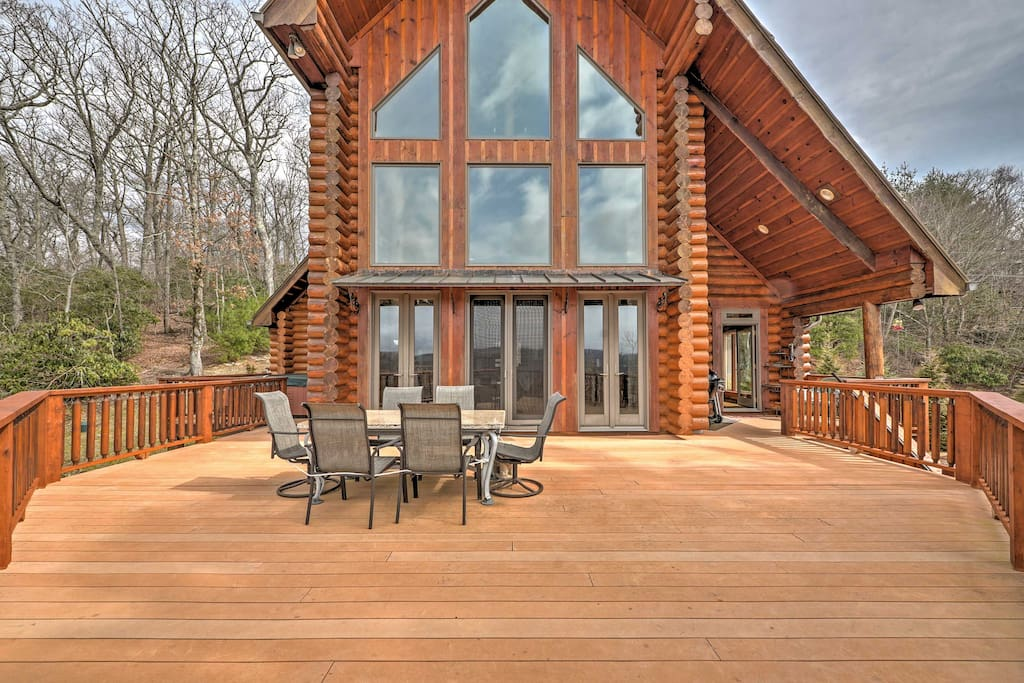 Enjoy views of Grandfather Mountain from the privacy of your own deck!