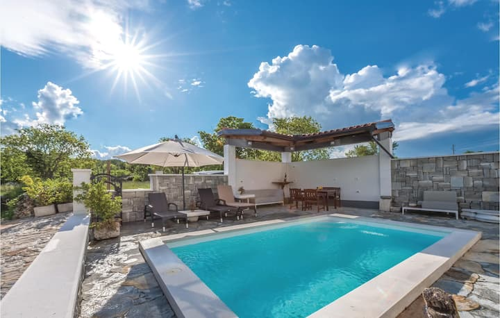 Amazing home in Danilo with WiFi, 1 Bedrooms and Outdoor swimming pool