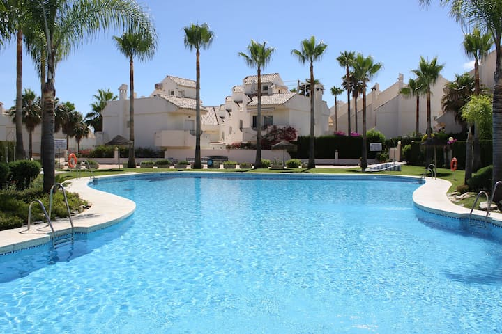 Beachfront excl.Urb. relax house pool and garden - Marbella - Ev