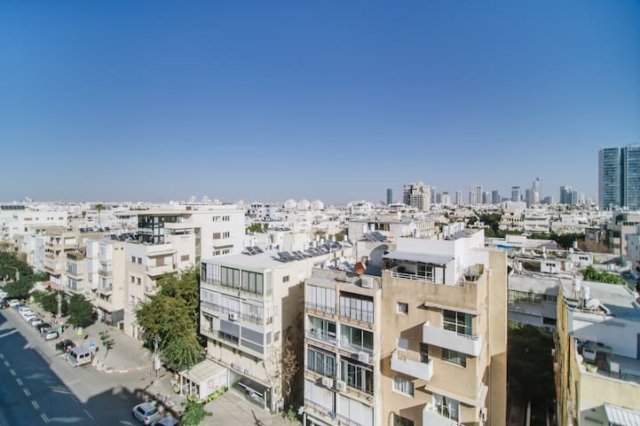 WOAH! / 1BR+2 Balconies / 6th floor / 2min>Beach