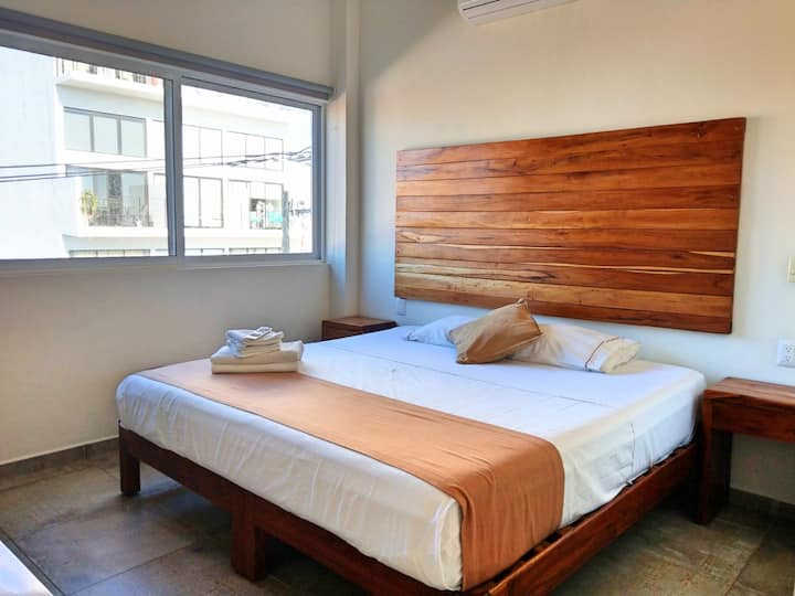 PN5 - KING BED Studio + Rooftop POOL + Fast WIFI!!