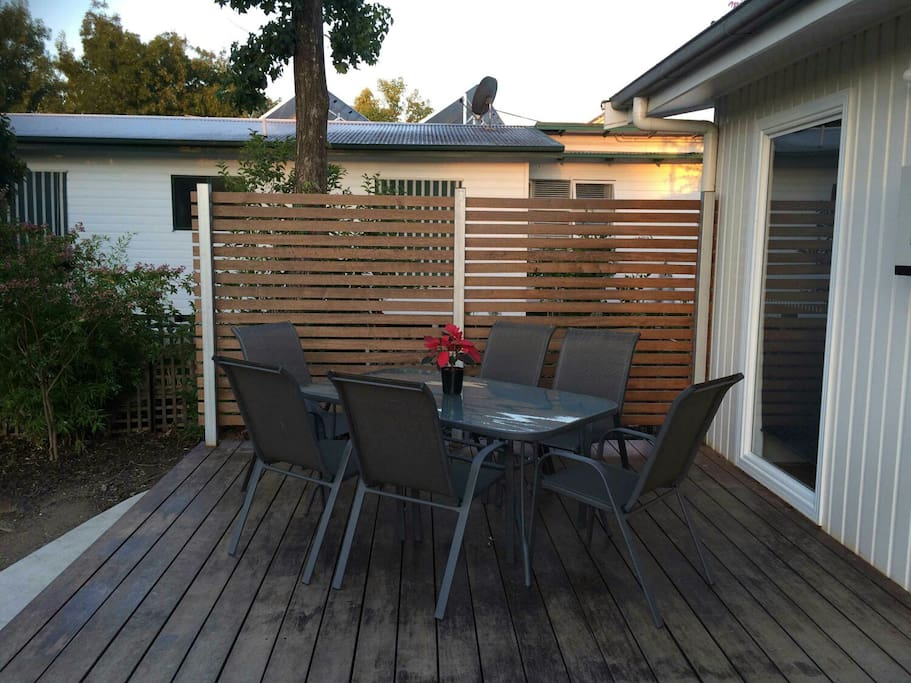 Watch the birds, enjoy the peace. Lovely deck to relax on