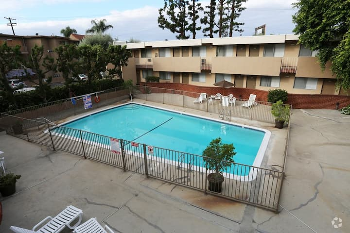 Studio apartment in North Hollywood