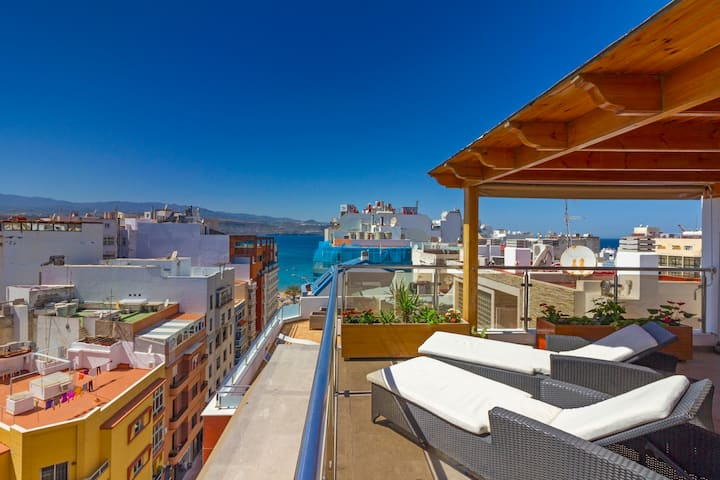 Huge Luxury Penthouse by Las Palmas Beach!