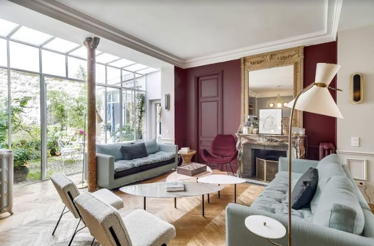 Superb architect loft in the heart of Paris