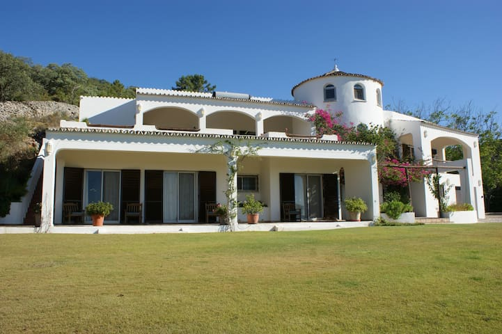 Beautiful and Private Algarve Villa - Faro - Huis