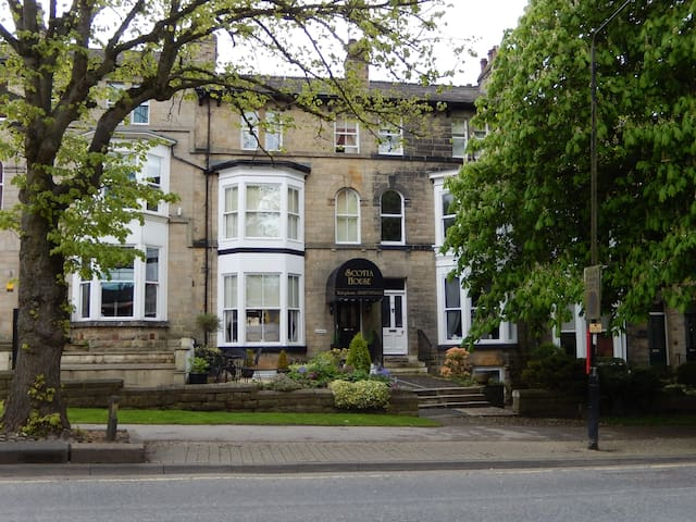 Harrogate boutique guest house welcomes you!