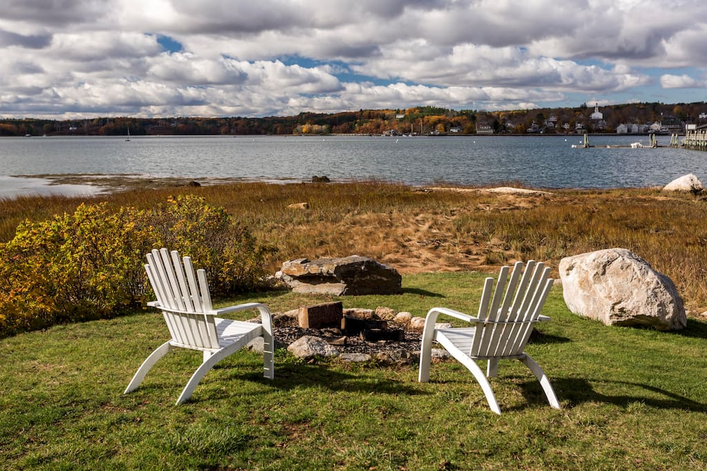 Warm yourself up by the firepit and capture the beautiful sunsets of Sheepscot River.