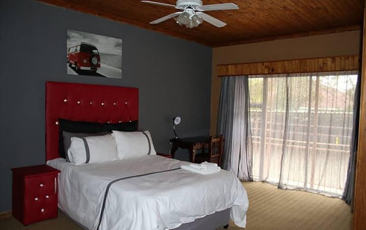 Standard Large Suite