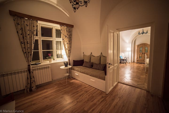 Romantic Apartment in the Old Town - Sibiu - Pis