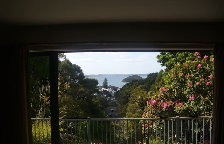 VERY PRIVATE SUPER VIEWS STUDIO - Paihia - Bed & Breakfast