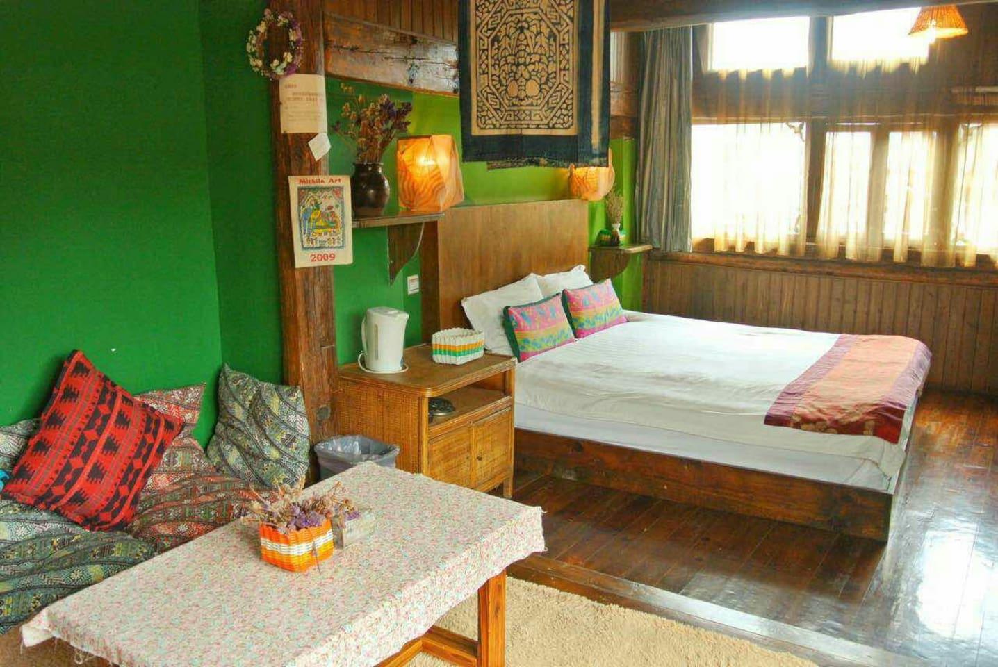 古朴典雅的大床房