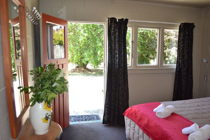 Ophir Lodge Queen Room En suite Kitch'nt - Piwakaw