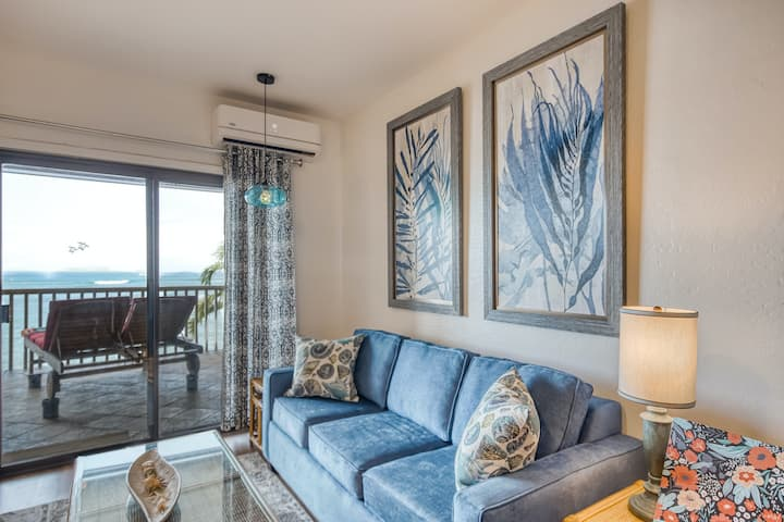 Oceanfront Studio w/Washer/Dryer/Shared Outdoor Pool/Sunset Views/Free WiFi/AC!