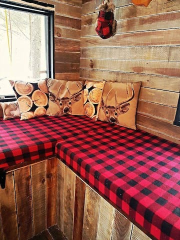 Airbnb Mont Tremblant Vacation Rentals Places To Stay