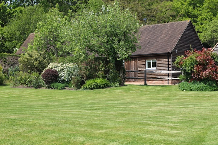 Beautiful secluded barn, Fernhurst