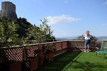 Altroieri home, Val d' Orcia