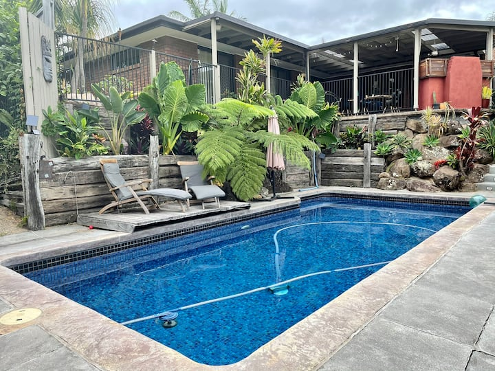 Tropical Oasis close to beaches and M1