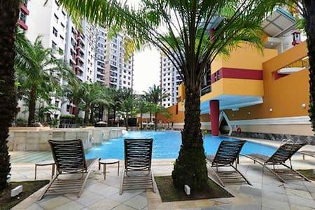 Condo room available long and short term @ 60$/day - Singapore - Osakehuoneisto