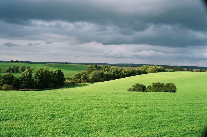 Malerische Landschaft vor der Haustür