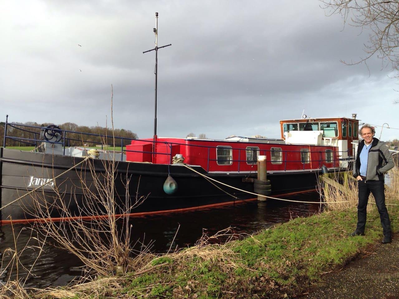 The oldtimer autarque barge Janus