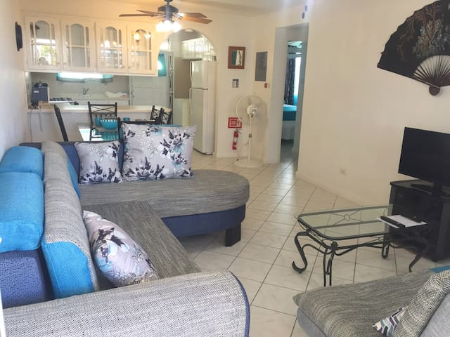 Airy, Breezy, Tastefully Furnished 2 Bed Apartment