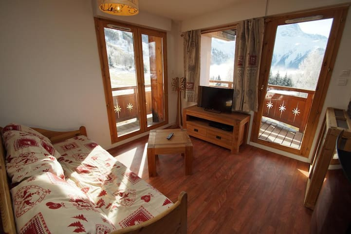 Large apartment ideally located, nice view