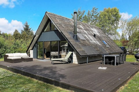 5 person holiday home in Spøttrup