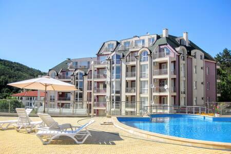 Spacious flat in  Kavarna Hills! - Kavarna - Lägenhet