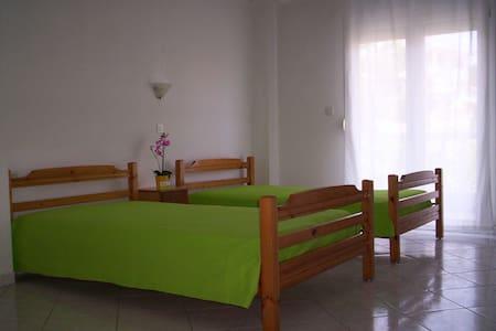 διαμέρισμα με θέα θάλασσα, ευριχωρο - Platamon