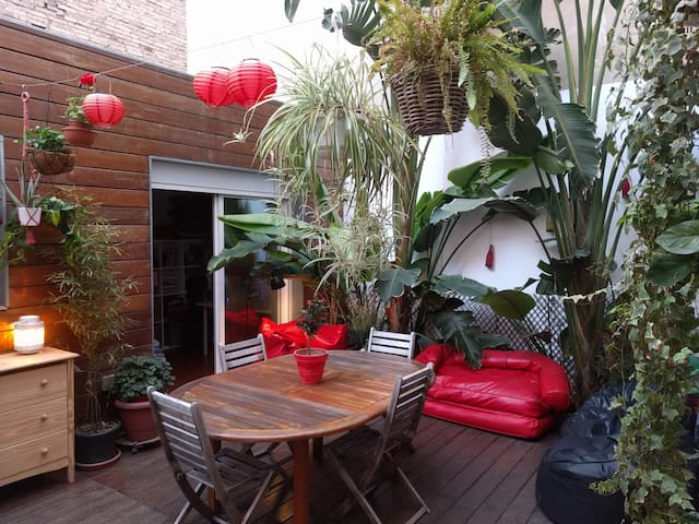 Quiet private room, bathroom, tropical patio, wifi - Burjassot - Appartement