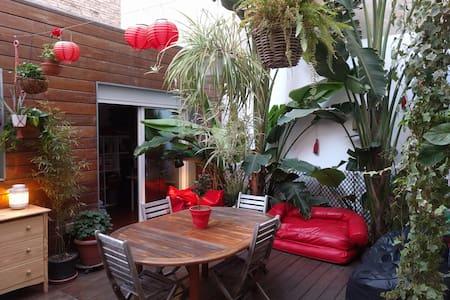 Quiet private room, bathroom, tropical patio, wifi - Burjassot - 公寓