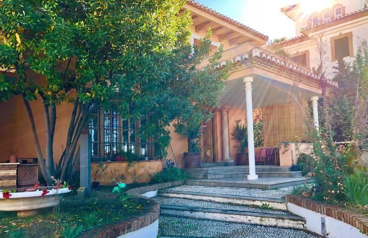 Maravillosa Casa con Piscina a 10 min de Granada