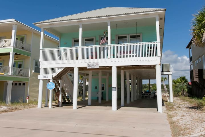Lyndi Lou's - FREE GOLF, FISHING, DVD RENTALS, WATERVILLE AND ESCAPE ROOM TICKETS! - Gulf Shores - House