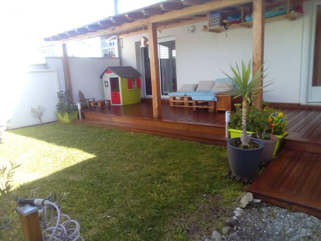 Maison meublée avec jardin et grande terrasse
