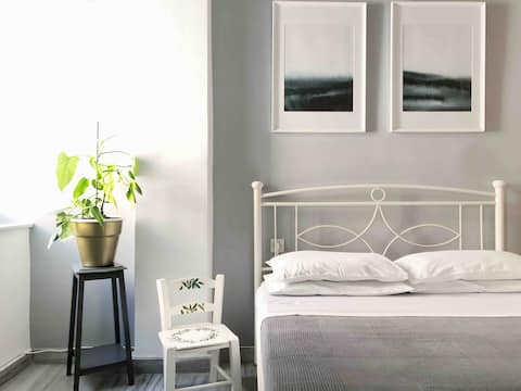 •Cozy Guesthouse• Flat •Syros