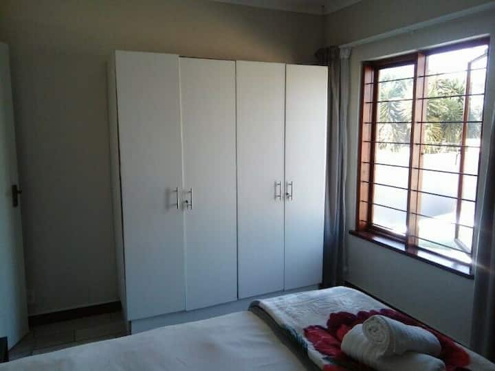 Deposit free - Short-term accommodation R1500 wkly