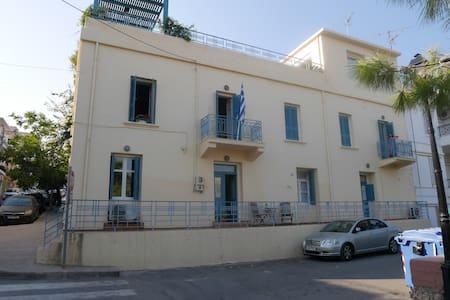 The Villa overlooking the Lake - Agios Nikolaos